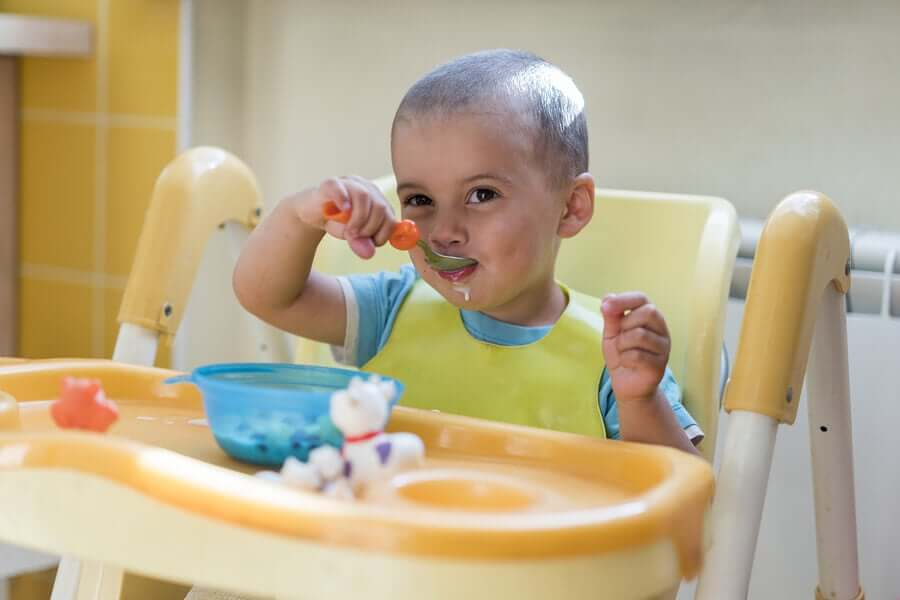 Tipos de cadeira de alimentação para bebês