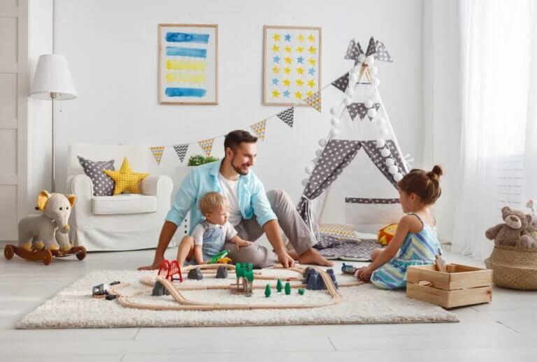 tempo de qualidade em família durante a quarentenaPais e filhos brincando: