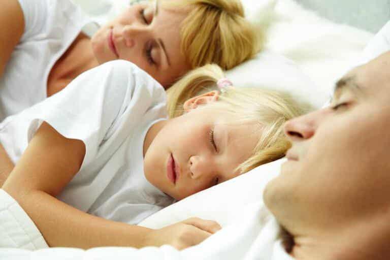 Dormir ou não com os filhos?