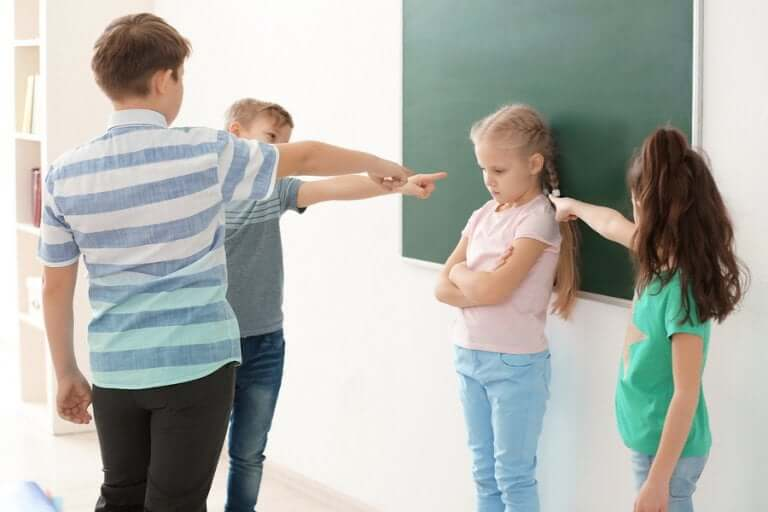 Qual é a influência dos complexos na infância? Aprenda a combatê-los