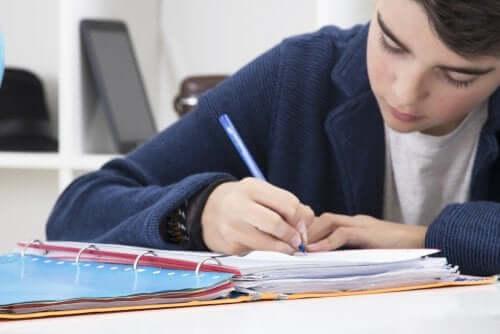 ensinar os alunos a fazer resumos