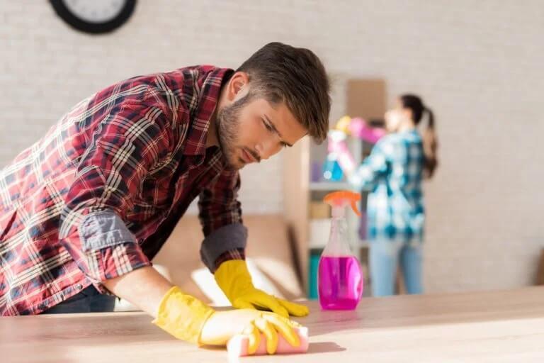 Tarefas domésticas: troca de papéis na família
