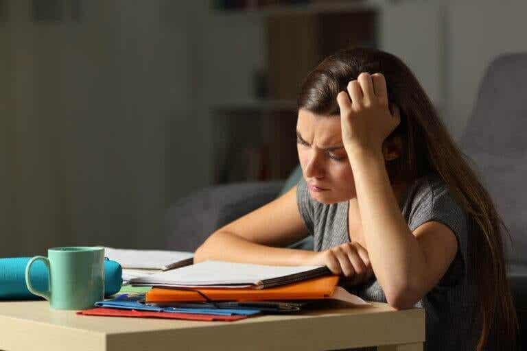 Como saber quando seu filho adolescente está exausto e estressado