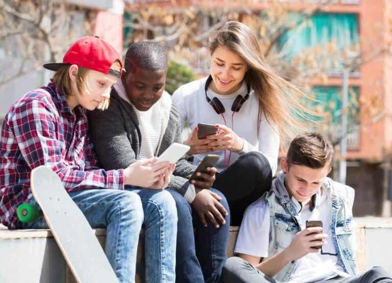 Tendências perigosas para os adolescentes nas redes sociais