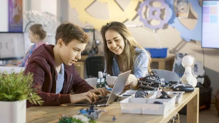 Ensinar sobre os privilégios aos adolescentes