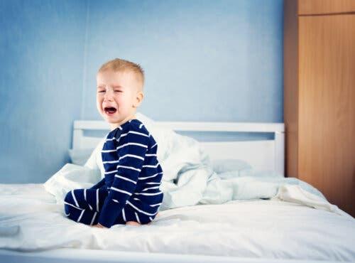 a regressão do sono do seu bebê