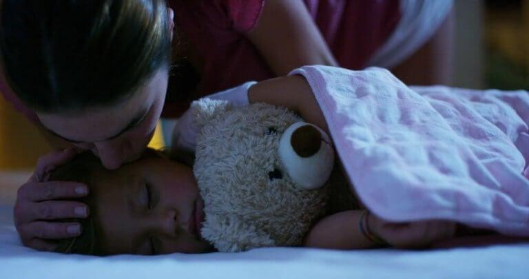 O que é a hipnopedia e como ela pode ajudar seus filhos?