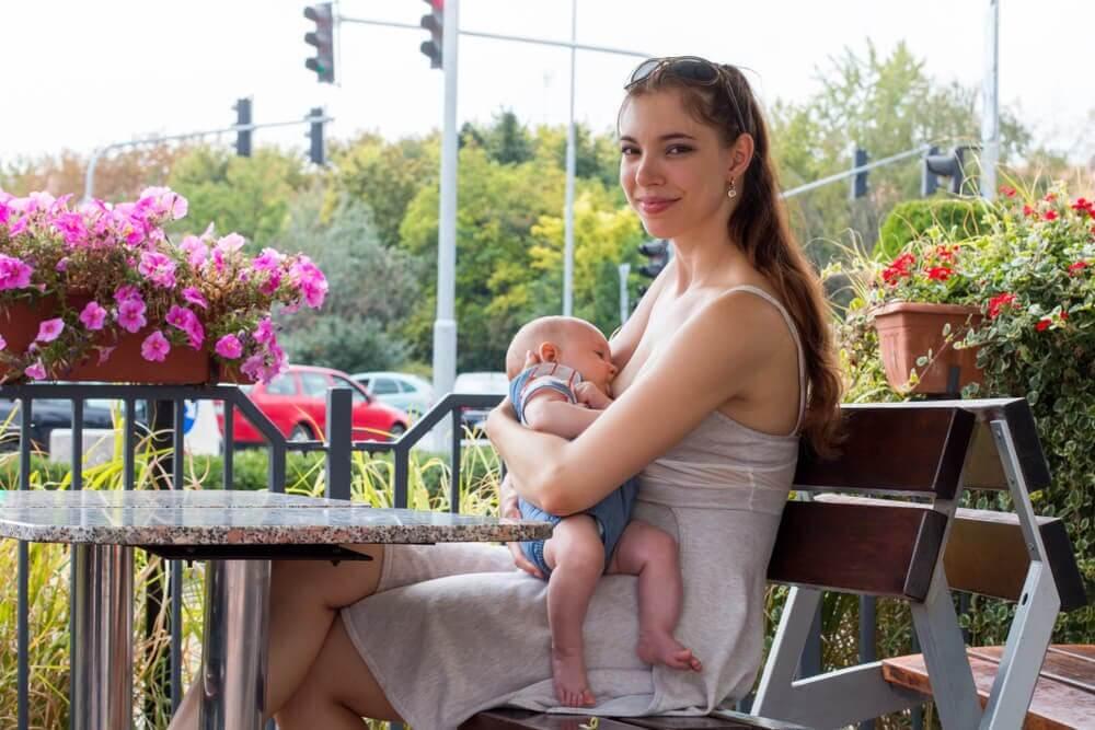 Normalizar a amamentação como um direito de mães e filhos