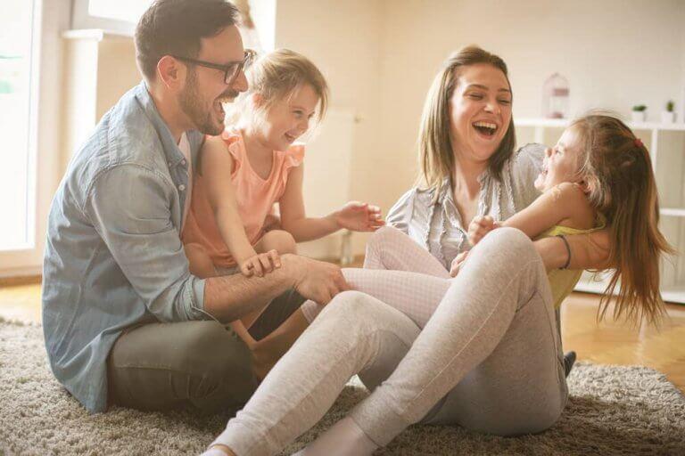 Como as convenções sociais influenciam a educação das crianças