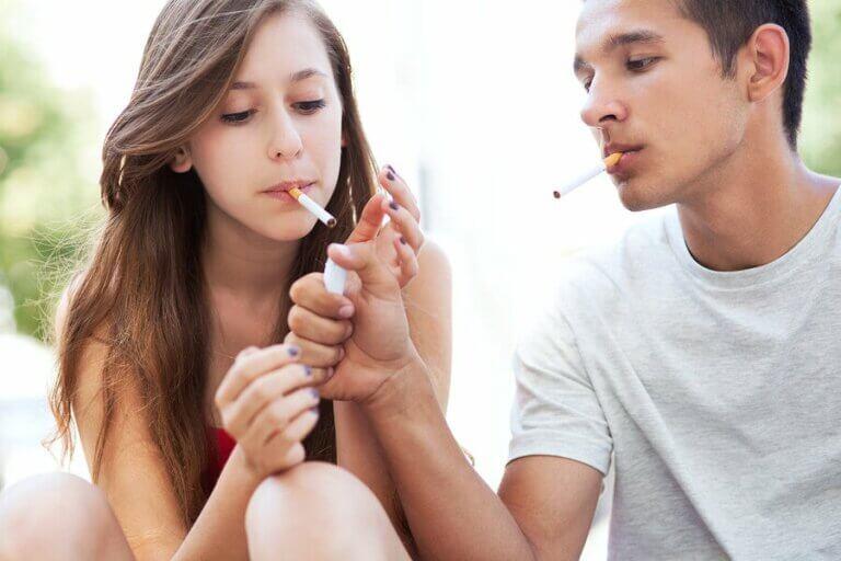 9 maneiras de chamar a atenção durante a adolescência