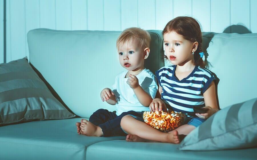Quais alimentos não dar até os dois anos de idade?