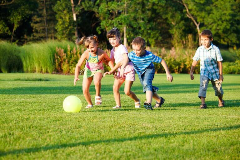 3 brincadeiras para fazer ao ar livre