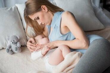 As melhores posições para amamentar o seu bebê