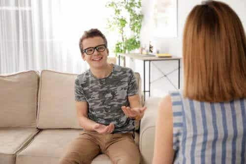 Comunique-se com o seu filho adolescente com cinco palavras mágicas