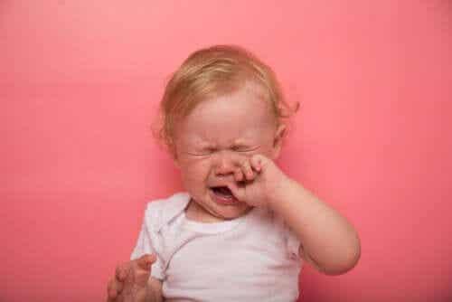 Cisto dermoide em crianças