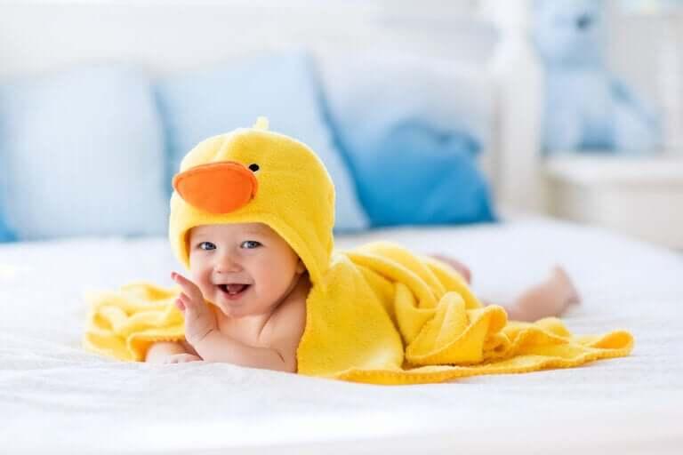 Acessórios de banho para bebês que vão facilitar a sua vida