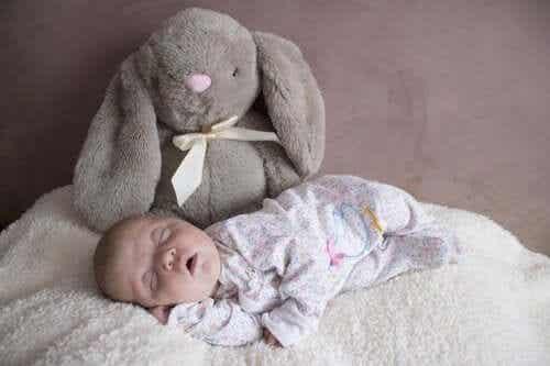 Como é o sono do bebê durante os primeiros três meses