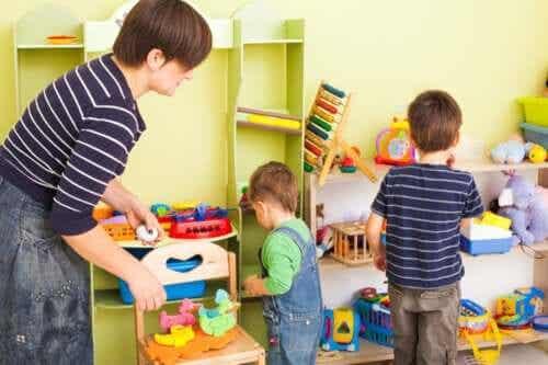 8 ideias para ensinar as crianças a serem organizadas