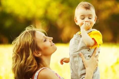 Exercícios para estimular a linguagem em crianças de 1 a 2 anos