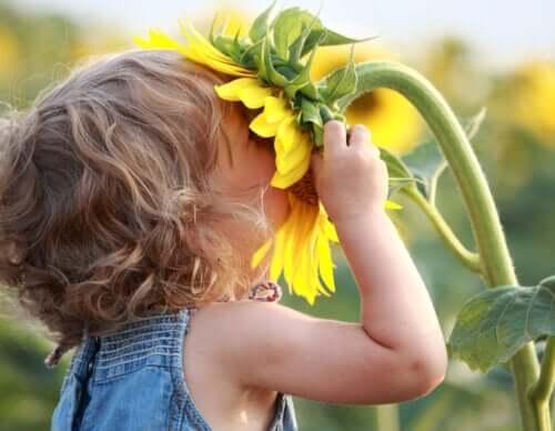 Crie crianças sem orgulho, mas cheias de amor-próprio