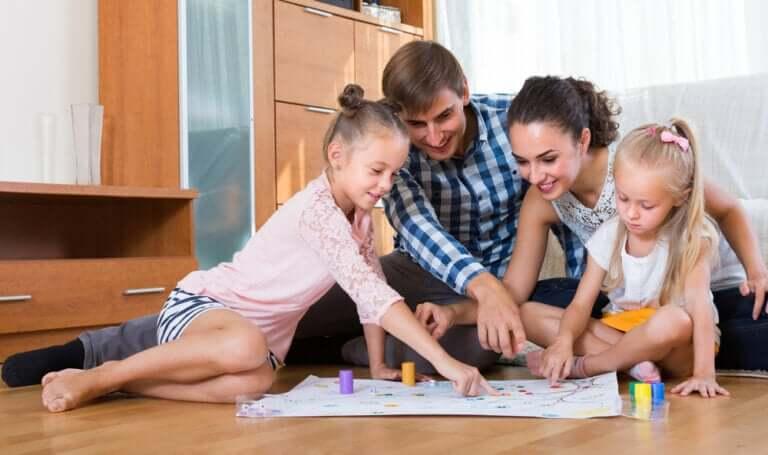 6 jogos em família usando apenas papel e caneta