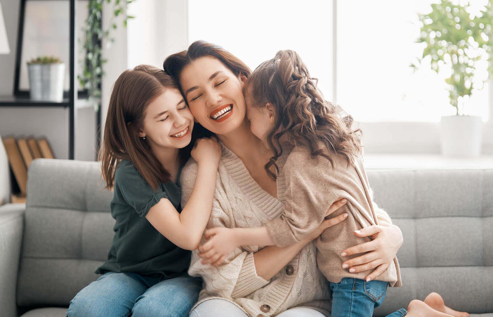 A importância do contato físico na educação dos filhos