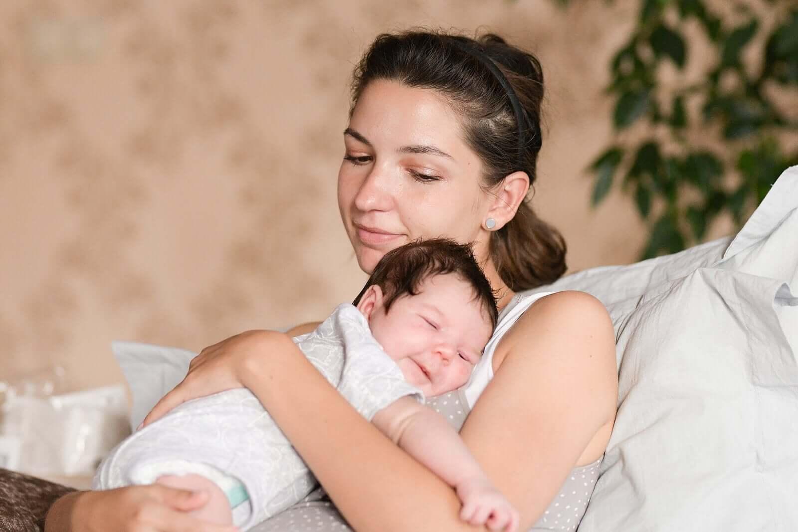 coisas que você pode fazer para se conectar com seu bebê