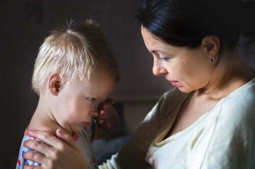 Como ajudar os seus filhos a entender o senso de justiça