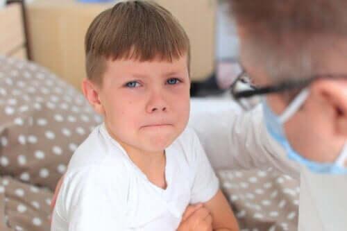 4 dicas para ajudar o seu filho a perder o medo de médico