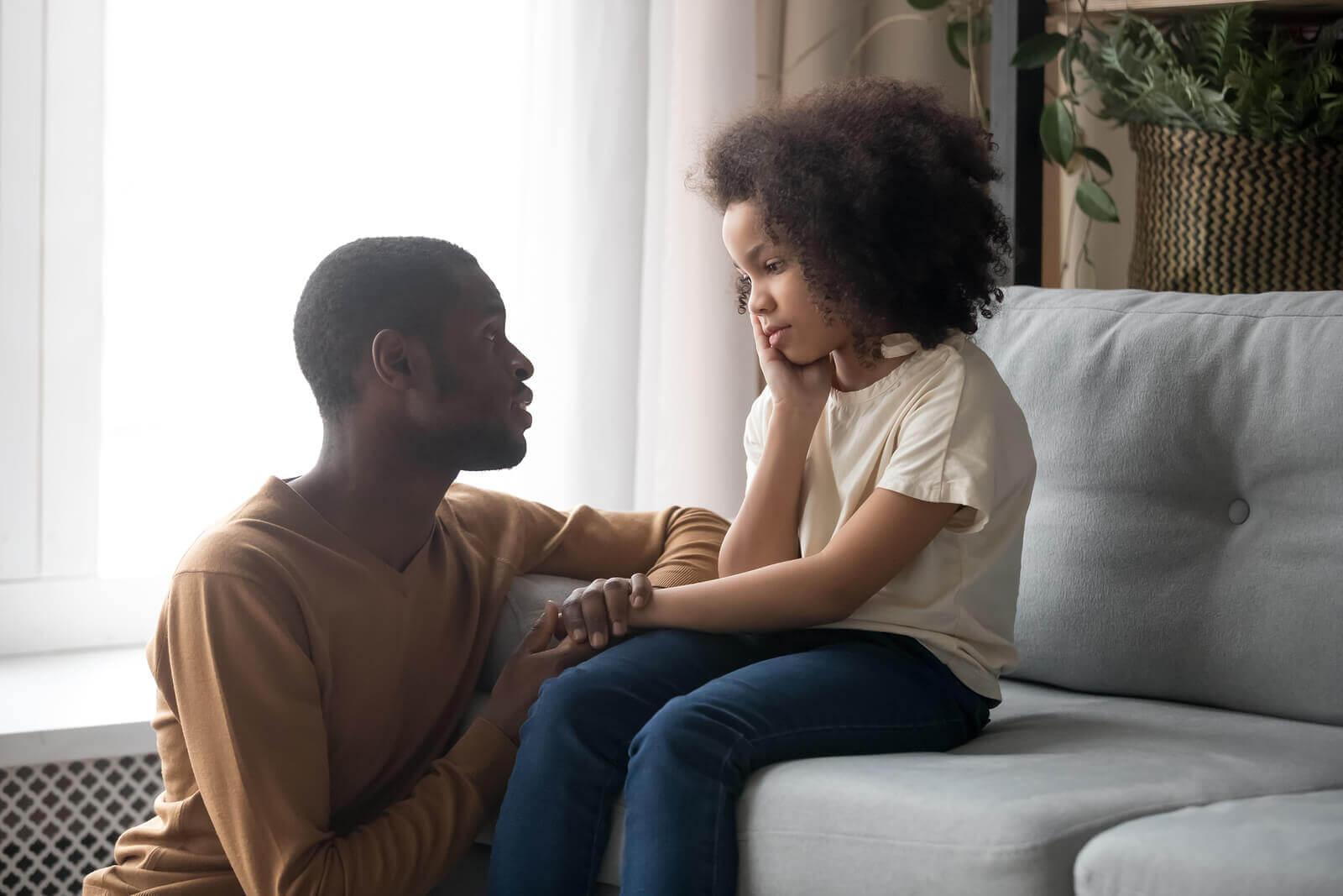 a criança rejeita um dos pais