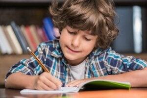 Como aprender a escrever com o Método Montessori