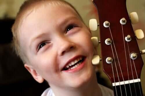 3 jogos musicais fáceis para crianças pequenas