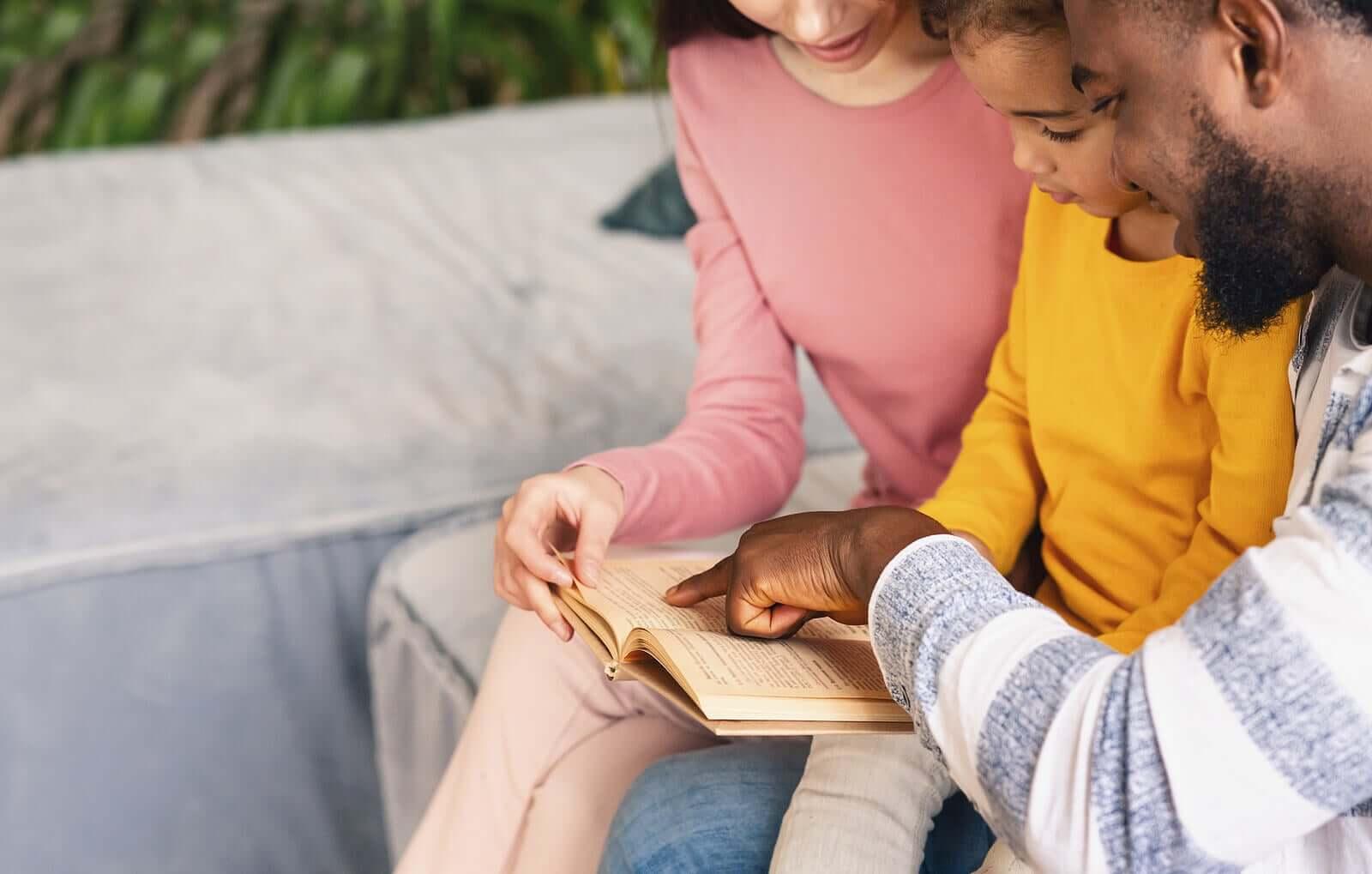ajudar uma criança com dificuldade de aprendizagem a compreender a leitura