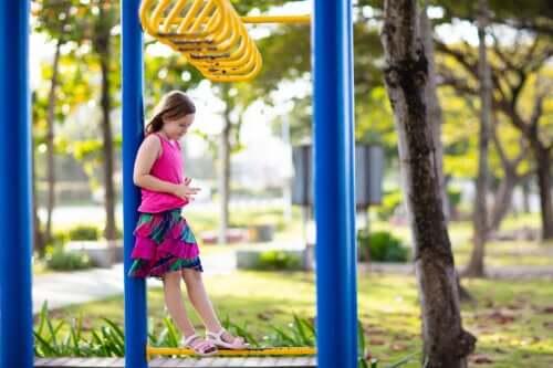 6 dicas para ajudar as crianças que se sentem rejeitadas