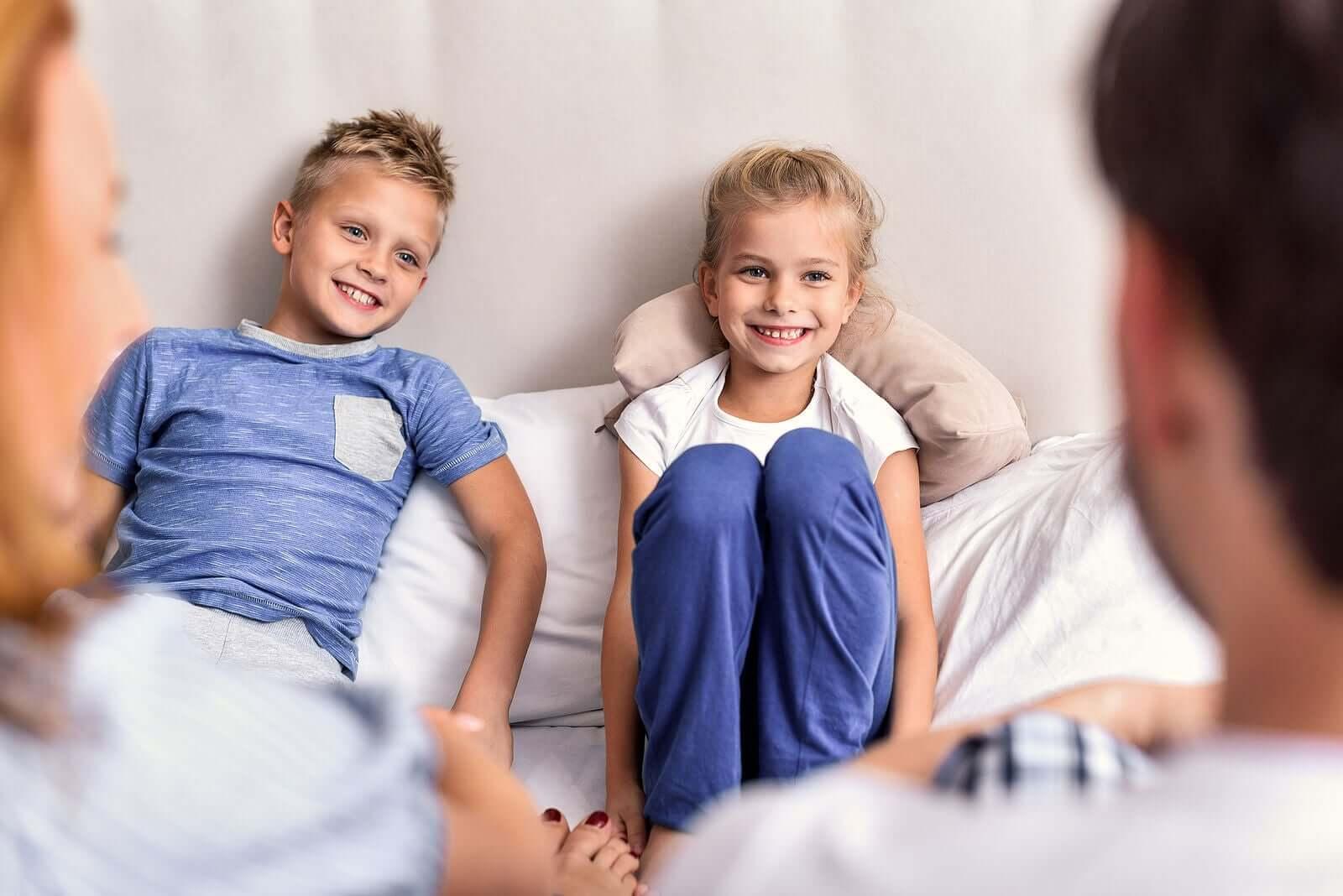 Como falar sobre coisas difíceis com as crianças