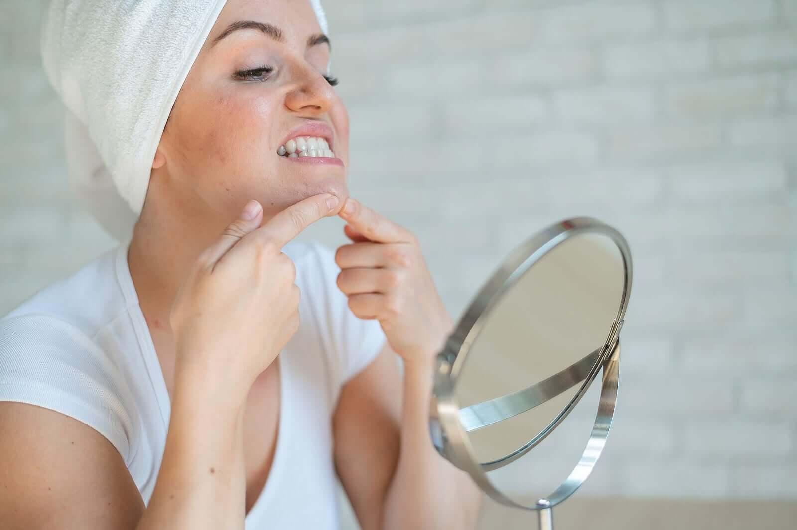 chaves para cuidar da pele durante a adolescência