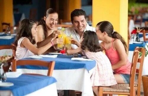 Dicas para comer fora em família