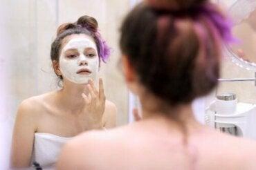 10 dicas para cuidar da pele durante a adolescência