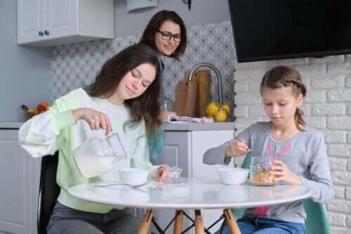 Pular o café da manhã durante a adolescência: é arriscado?