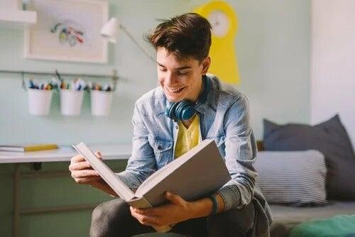 As frases de Cervantes para adolescentes também buscam despertar neles a paixão pela leitura.