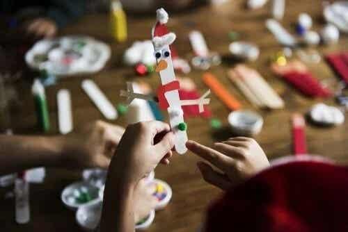 5 artesanatos infantis com palitos de sorvete
