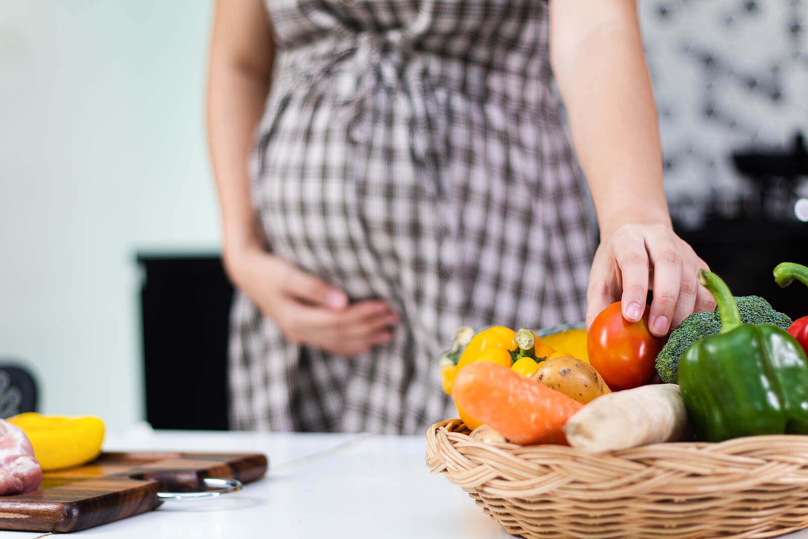 Gravidez: a importância de evitar uma dieta pobre