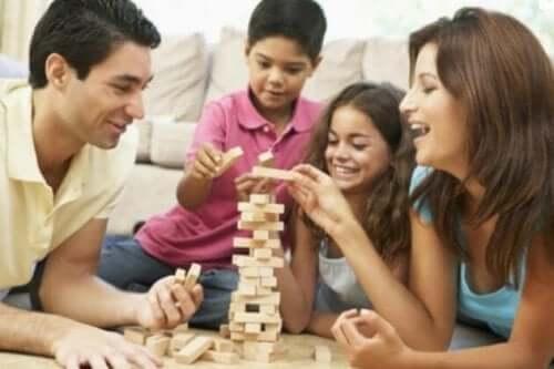 7 brincadeiras para fazer com as crianças