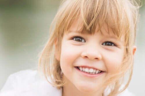 9 mitos sobre dentes tortos em crianças