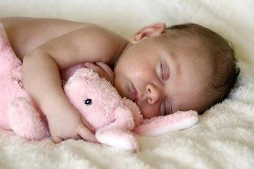 O método Ferber para fazer o bebê dormir realmente funciona?