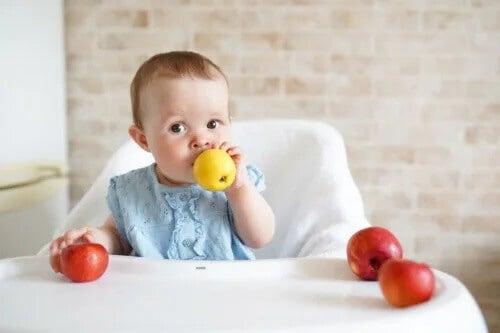 Alimentos para prevenir a prisão de ventre nos bebês