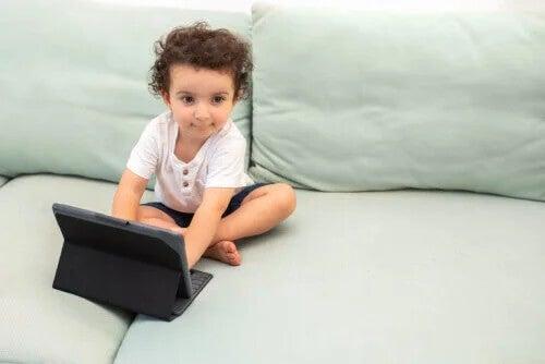 Por que Steve Jobs decidiu educar seus filhos sem tecnologia?
