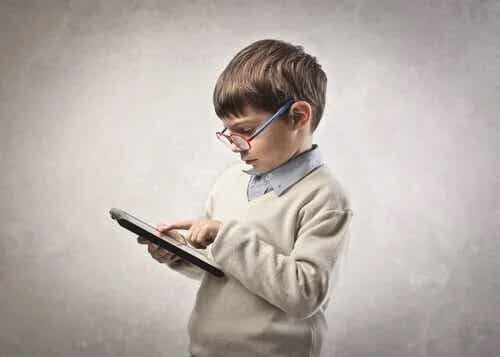 Conselhos para pais de crianças viciadas em tablets