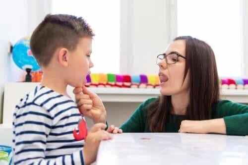 O que é deglutição atípica em crianças?
