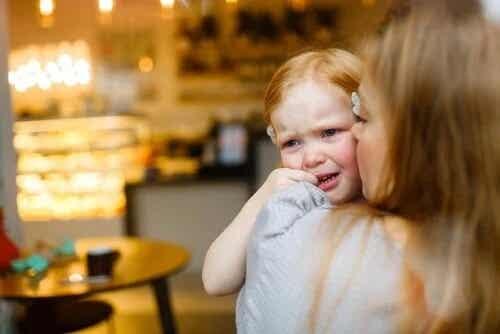 4 frases para consolar as crianças quando elas estiverem chorando